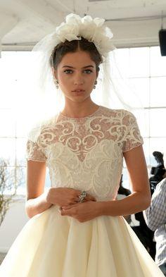 Inspiración: Los 'beauty looks', peinados y joyas que hemos visto en la New York Bridal Week - Foto 3