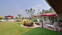 In a city starved of green spaces, this penthouse in Thane, Maharashtra, boasts of expansive 10,000 sq ft terrace garden surrounding just 5,000 sq ft of actual livable space… Check it out and leave us your feedback. http://inditerrain.indiaartndesign.com/2014/06/garden-glory_13.html