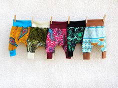 Baby harem pants-Hippie baby pants-African Baby Clothes-Hippie Baby Clothes-Baby Baggy Pants-Ethnic Pants-Kids Harems-Tribal baby pants by AfriKatja on Etsy https://www.etsy.com/no-en/listing/520767211/baby-harem-pants-hippie-baby-pants