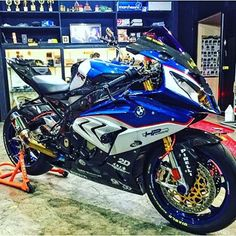 Omg @sportbikelife this bike is soooooo awesome #ducati #yamaha #kawasaki #aprilla #bmw #motorcycle #motorcycles #600cc #KTM #1000cc #1199cc #fullthrottle #fast #deadly #fun #fast #awesome #bikefam #ducati831 #R6 #R1 #Streetbike