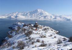 VAN GÖLÜ KAR MANZARALARI - Google'da Ara Turkey Images, Armenian Culture, Seven Wonders, I Love Snow, Turkey Travel, Travel Memories, Istanbul Turkey, First Photo, Wonders Of The World