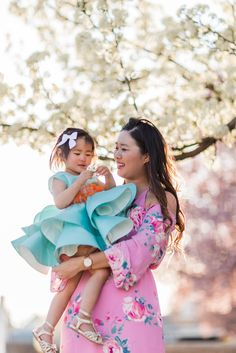 5 Fun Mothers Day Activities Every Mom Will Love   mommy and me fashion   mommy and me style ideas   mommy and me outfit ideas   mom and daughter fashion   mommy and me spring fashion   fashion for mom and daughter    Sandy A La Mode