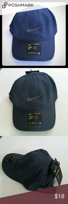 Women's Nike Featherlight Baseball Hat PRODUCT FEATURES: Moisture-wicking technology Mesh side panels for breathability Embroidered Nike Swoosh adds sporty style Adjustable closure ensures a customized fit  FIT & SIZING: One size fits most  FABRIC & CARE: Polyester Hand wash *Color of hat is dark navy blue  ✌ Price FIRM unless bundled Nike Accessories Hats