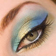 Eye Makeup Tips.Smokey Eye Makeup Tips - For a Catchy and Impressive Look Makeup Tips, Beauty Makeup, Hair Makeup, Hair Beauty, Makeup Ideas, Makeup Style, Beautiful Eye Makeup, Beautiful Eyes, Makeup For Small Eyes