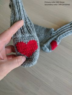Wool Socks, Knit Mittens, Kids Socks, My Socks, Heart Decorations, Colorful Socks, Secondary Color, Hand Knitting, Hands