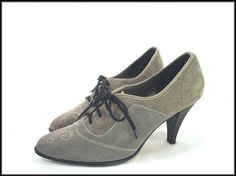 vintage GREY SUEDE lace up oxford shoes 7.5
