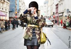 The military trend has evolved into camouflage everything, oversized jackets in particular. Of course you can make army look chic. Camo Fashion, Green Fashion, Military Fashion, Winter Fashion, Fashion Photo, Women's Fashion, Camouflage Jacket, Camo Jacket, Military Jacket