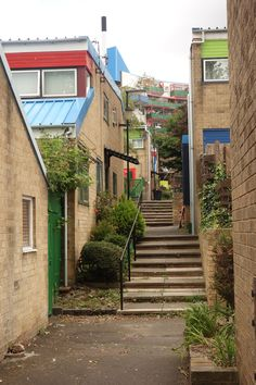 A series exploring architecture, urban design and planning issues in Britain's towns and cities. Council Estate, Tower Block, Inside Outside, Urban Architecture, City Buildings, Ranch Style, Urban Design, Newcastle, Townhouse
