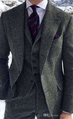 Mens tweed suit - Dark Grey Harringbone Wedding Tuxedos 2019 Two Button Notched Lapel Slim Fit Man Suit For Business occasion (Jacket Pants vest bow ) Blazer En Tweed, Mens Tweed Suit, Tweed Suits, Grey Tweed Suit, 3 Piece Tweed Suit, Grey Suit Men, Gentleman Mode, Gentleman Style, Groom Tuxedo
