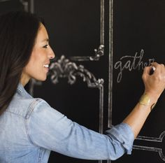 Chalkboard Wallpaper from Joanna Gaines' Magnolia Home by York. Priced by single roll and packaged double. Chalkboard Wallpaper, Rustic Wallpaper, How To Hang Wallpaper, Home Wallpaper, Wallpaper Ideas, Magnolia Fixer Upper, Magnolia Joanna Gaines, Chip And Joanna Gaines, Magnolia Farms
