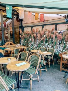 21 of the Cutest Parisian Cafés You Need To Visit - Landry Has Landed Cafe Concept, Rose House, Parisian Cafe, French Cafe, Modern Restaurant, Palais Royal, Outdoor Furniture Sets, Outdoor Decor, Famous Places
