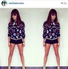 Melita Toniolo con la felpa di Followus