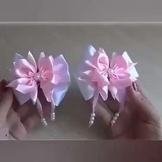 Diy Lace Ribbon Flowers, Ribbon Flower Tutorial, Ribbon Art, Paper Flowers Diy, Ribbon Crafts, Flower Crafts, Fabric Flowers, Ribbon Rose, Bow Tutorial