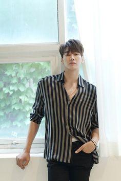 Hot Asian Men, Cute Asian Guys, Korean Star, Korean Men, Hot Actors, Actors & Actresses, Kim Young Kwang, Lee Young, Photoshoot Bts
