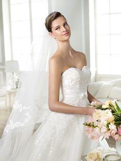 White One trouwjurk model Jaques I wedding dress - Xsasa bruidsmode