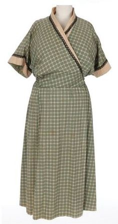 Ethel Waters green dress and Margaret Leighton black dress from The Sound and the Fury