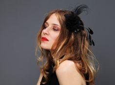 """""""Comes love"""" Fascinator Federn schwarz Schleier von Billies goes Jazzafine auf DaWanda.com"""