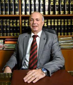 """ΔΙΚΗΓΟΡΙΚΟ ΓΡΑΦΕΙΟ ΓΙΑΓΚΟΥΔΑΚΗΣ ΚΑΒΑΛΑ,  τ. 2510834031 - Ειδικός Δικηγόρος σε Διαζύγια, Οικογενειακό Δίκαιο, Ποινικό Δίκαιο- 'Οραμά μας ένας καλύτερος κόσμος χωρίς αδικίες! """"Είμαστε εδώ για να σε βοηθήσουμε Άμεσα, Πιστά και με Συνέπεια"""". Suit Jacket, Breast, Suits, Jackets, Fashion, Down Jackets, Moda, Fashion Styles, Suit"""