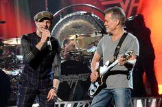 Van Halen_Billboard_3