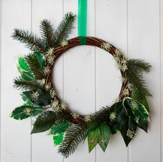 White and green Italian Christmas wreath, made in Italy minimalist wreath with pine and snow flakes, delicate Italian Christmas home decor