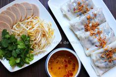 Raviolis vietnamiens au porc et aux champignons noirs (Bánh cuốn)
