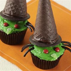 Wicked Witch Cupcakes - great treat for Halloween.
