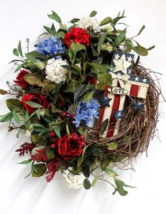 Etsy Wednesday: 10 Patriotic Wreaths for Memorial Day | Redesign Revolution