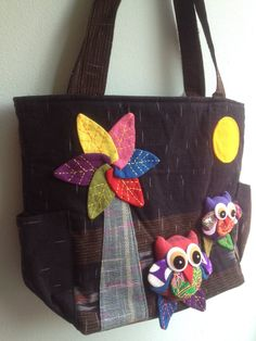 A very lovely owl tote with adorable owls to carry around the town. It is very useful tote for your stuffs or give as a gift. - Approx dimensions: Width : 15 (38 cm) Height : 12 (30.5 cm) Base : 5 (11.5 cm) Strap : 27 (69 cm) - Needlework with 2 super cute owls - Zipper closure and