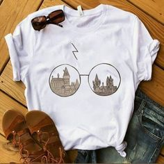 Hogwarts Glasses Harry Potter T-Shirt – T-Shirts & Sweaters Harry Potter Shirts, Mode Harry Potter, Harry Potter Outfits, Harry Potter Clothing, Harry Potter Fashion, Harry Potter Style, Harry Potter Glasses, Harry Potter Sweatshirt, Harry Potter Womens Clothes