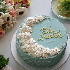 Pretty Birthday Cakes, Pretty Cakes, Beautiful Cakes, Eid Moubarak, Decoraciones Ramadan, Rocket Cake, Eid Food, Eid Party, Moon Cake