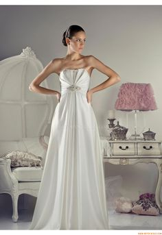 Elegant A-line Strapless beautiful Wedding Dress Tanya Grig Nina 2012