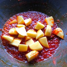 Add potatoes and fry for another minutes Indian Food Recipes, Vegetarian Recipes, Cooking Recipes, Curry Side Dishes, Pumpkin Curry, Summer Dishes, Indian Sweets, Lunch, Vegetarische Rezepte