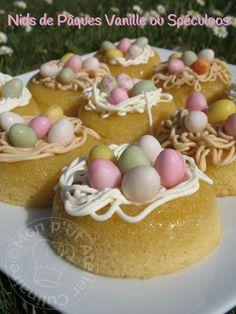 * Pour notre gouter aujourd'hui, une belle recette qui vous à déjà fait baver en photo l'année dernière. Vous avez été nombreux a me la demander, mais à l'époque je l'avais réservé pour mes atelier... Homemade Cake Recipes, Best Cake Recipes, Pound Cake Recipes, Mini Desserts, Easy Desserts, Macaron Flavors, Macaron Recipe, Chocolate Easter Cake, Cake Recipes From Scratch