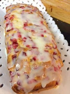 Galleta pastel con f . Bunt Cakes, Plum Cake, Oreo Cake, Eat Dessert First, Saveur, Cakes And More, Christmas Baking, Yummy Cakes, Mexican Food Recipes