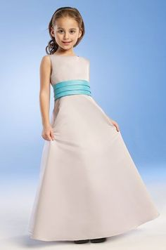 """Turquoise is one of the """"it"""" color this 2010 wedding season. This spectacular color can be incorporated throughout your entire wedding theme. Turquoise is such a sophisticated color wit…"""