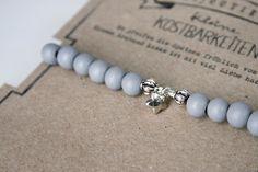 Snuggles-Cottage Shop Armbänder - Armband Lieke grau- / silberfarbenen mit Sternchen - ein Designerstück von snuggles-cottage bei DaWanda