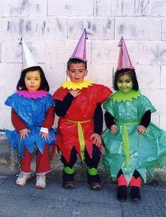 Gnomos de colores preciosos y fáciles. Un disfraz casero con bolsas de basura http://www.multipapel.com/familia-material-para-disfraces-maquillaje-bolsas-de-color.htm