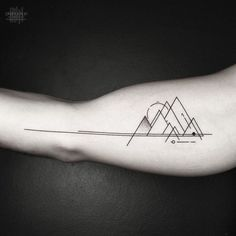 Artist Inspired By Nature And Geometric Shapes Creates Perfect Minimalist Tattoos - Tattoos - Minimalist Tattoo Arlo Tattoo, Simbolos Tattoo, Arm Band Tattoo, Body Art Tattoos, Cool Tattoos, Buddha Tattoos, Samoan Tattoo, Polynesian Tattoos, Tatoos