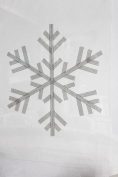 DIY washi tape snowflake poster - from Inspirationsdesign.blogg.se