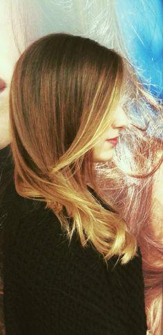 #Degradé light up per Chiara. La magia dei colori nei capelli .