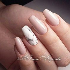 Semi-permanent varnish, false nails, patches: which manicure to choose? - My Nails Marble Acrylic Nails, Summer Acrylic Nails, Best Acrylic Nails, Summer Nails, Stylish Nails, Trendy Nails, Milky Nails, Nagellack Design, Cute Acrylic Nail Designs