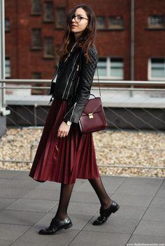 black-biker-lether-jacket-burgundy-pleated-skirt-zara-brogues-2