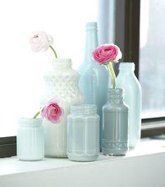 101 woonideeen: je oude potjes en flessen van binnen beschilderen geeft een mooie effect