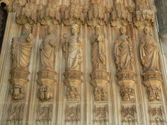 6 of the Apostles at the right side of the main portal of Mosteiro de Santa Maria da Vitória (Monastery of Saint Mary of Victory), better known as Mosteiro da Batalha (Monastery of Batalha, literally Monastery of the Battle), Batalha, Portugal.  On t Экскурсии Каталония ! Трансфер Барселона ! Экскурсия в Барселоне #Испания #Барселона http://vipgid.wordpress.com/