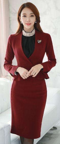 StyleOnme_Back Slit Knee-length Pencil Skirt #winered #formal #suit #officelook #autumn #falltrend #koreanfashion #feminine #kstyle #elegant #seoul #trend