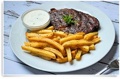A new take on steak frites! This Herbed Superfries recipe will have you eating in more often! Mccain Foods, Fries Recipe, Potato Pancakes, Some Recipe, French Fries, Clean Eating Recipes, Lchf, Breakfast Recipes, Side Dishes