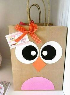 15 creative ideas for a birthday party … - Geschenke Custom Paper Bags, Paper Gift Bags, Paper Gifts, Kids Crafts, Owl Crafts, Diy And Crafts, Owl Birthday Parties, Birthday Gifts, Owl Parties