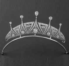 An Art Deco platinum and diamond tiara, about 1920. #ArtDeco #tiara