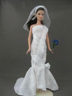 Shimmering Bride. Zelfgemaakte Barbie kleding te koop via Marktplaats. VERKOCHT