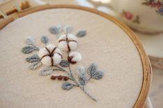 """좋아요 639개, 댓글 25개 - Instagram의 후아유네 프랑스자수 & 카페후 쥔장(@luckylala7)님: """"홑이불같은 눈이 내린날- 보송보송 목화자수 . #프랑스자수 #후아유네프랑스자수 #집스타그램 #목화자수 #무단도용금지 #embroidery #frenchembroidery…"""""""